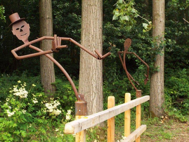 Prinseböske Maasbree, kunst op reling van brugje