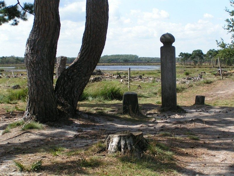 Gemeentelijke grenspaal de Hoenderboom
