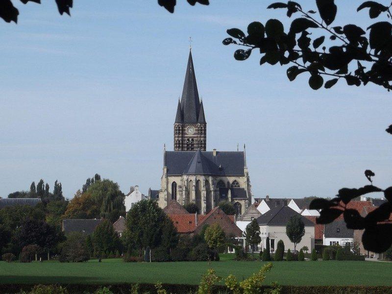 De imposante kerk van Thorn
