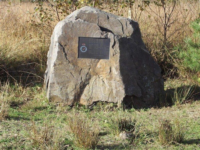 Monumentje ter nagedachtenis aan de bemanning van een neergestorte Stirling