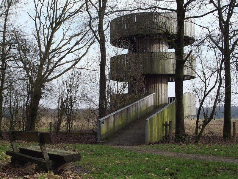 Uitkijktoren aan de rand leefgebied edelherten