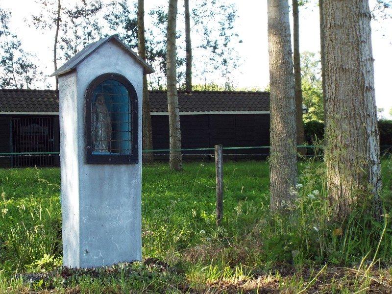 Klein kapelletje onderweg