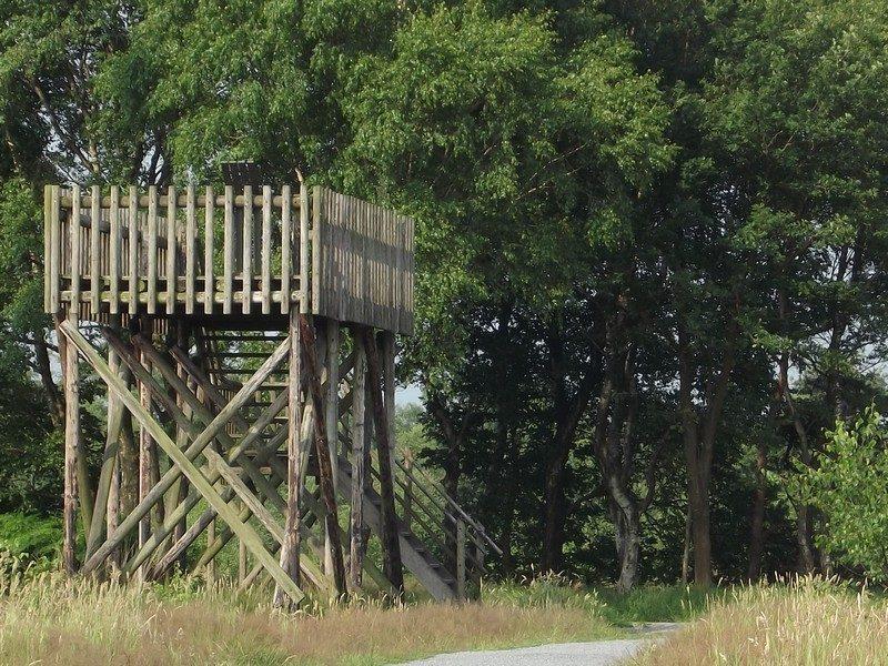 Uitkijktoren, na 30 jaar trouwe dienst afgebroken