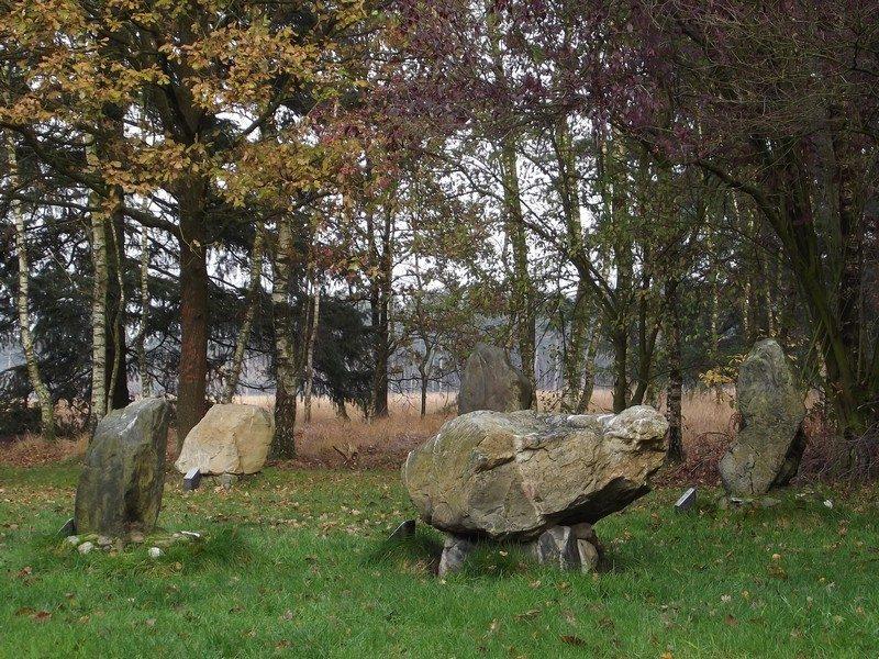 Stenen der Zaligheden, vijf van de acht keien