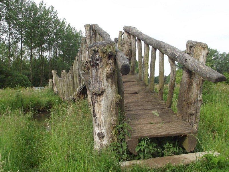 Landgoed Baest, hangbrug over de Beerze