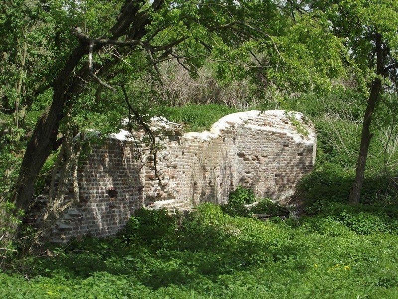 De ruïne van de vesting 't Genneperhuis