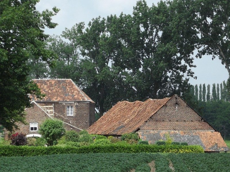 Huis Oyen een voormalige kasteelboerderij
