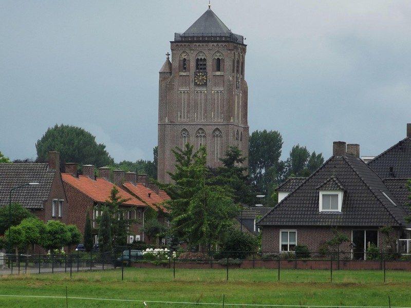 Sambeek met zijn imposante kerktoren