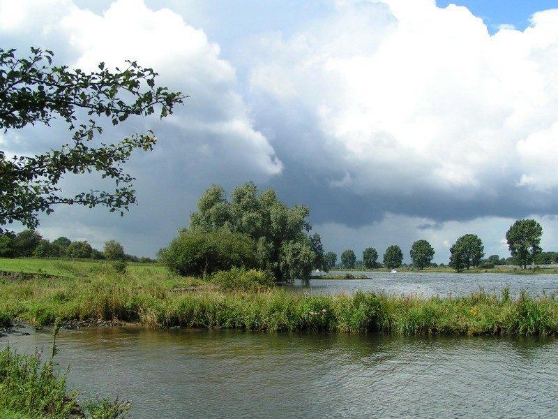 De Oeffeltse weiden met zicht op de Maas