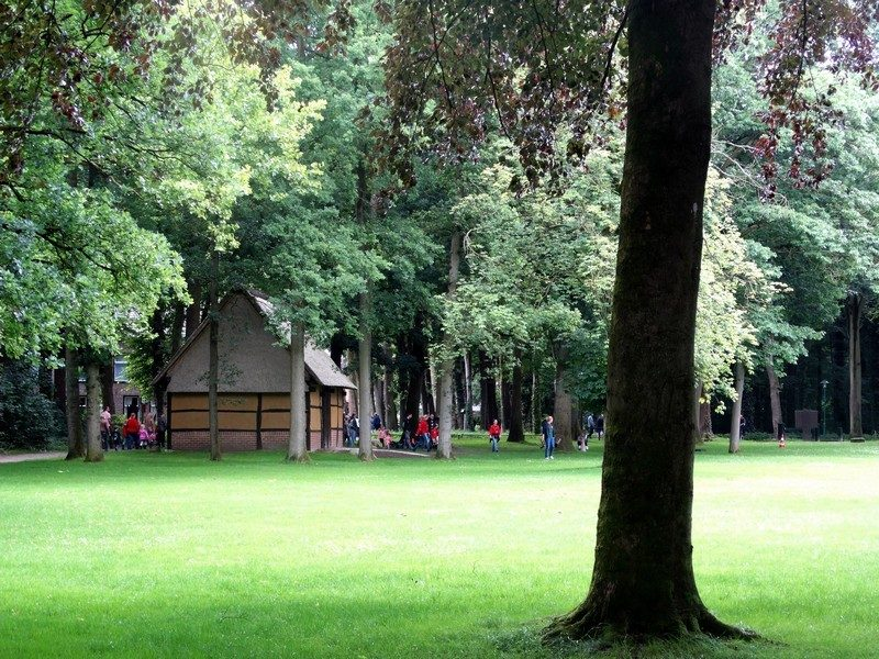 De voorraadschuur op de kloosterenclave