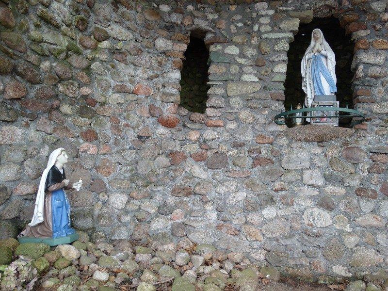 Maria en Bernadette Soubiroux