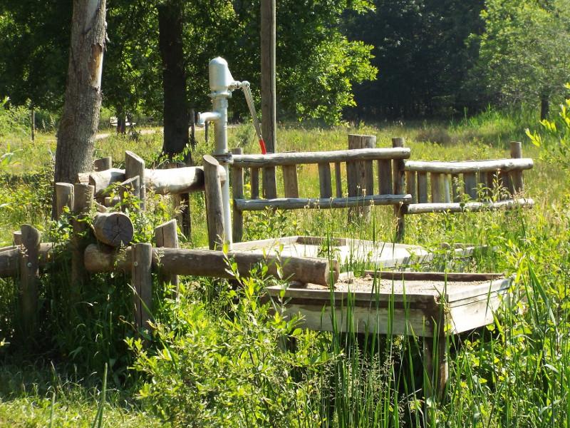 Waterpomp in zintuigenpark