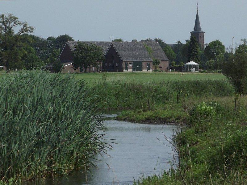 De Groote Molenbeek met Meerlo op de achtergrond
