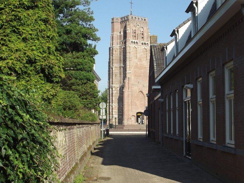 De Oude Toren op het Petrus Dondersplein
