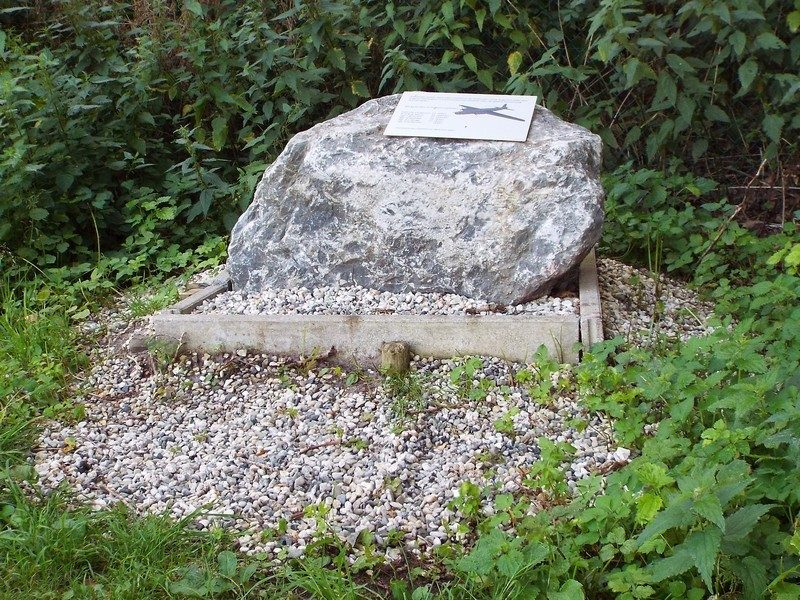 Ter nagedachtenis aan de bemanningsleden van Wellington III bommenwerper
