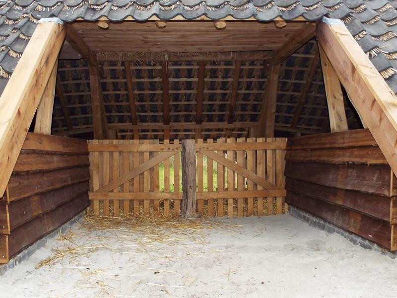 De binnenzijde van de schaapskooi