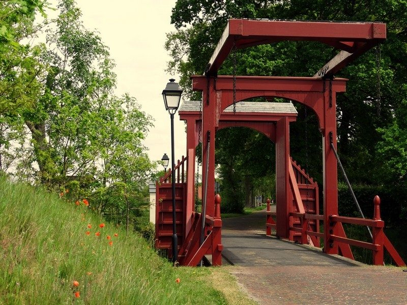 De ophaalbrug richting Duitsland