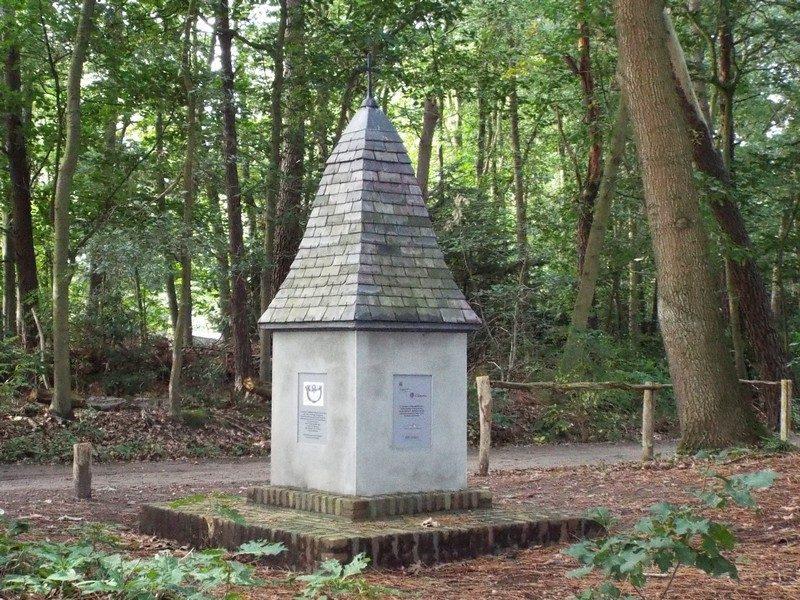 Monumentje ter nagedachtenis aan Lt.Col. Coenraad van Valkenburg