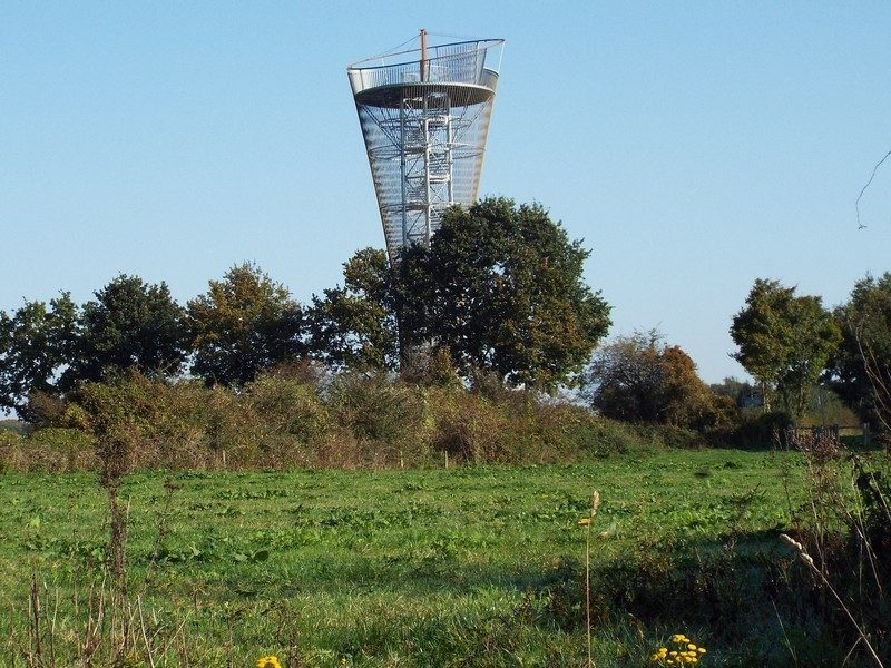 25 meter hoge uitkijktoren