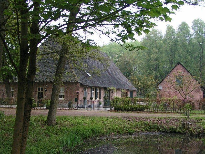 Monumentale boerderij in Heerenbeek