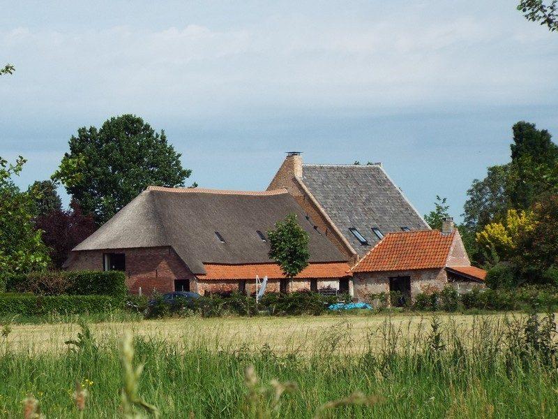 Woonboerderij aan de rand van Lennisheuvel