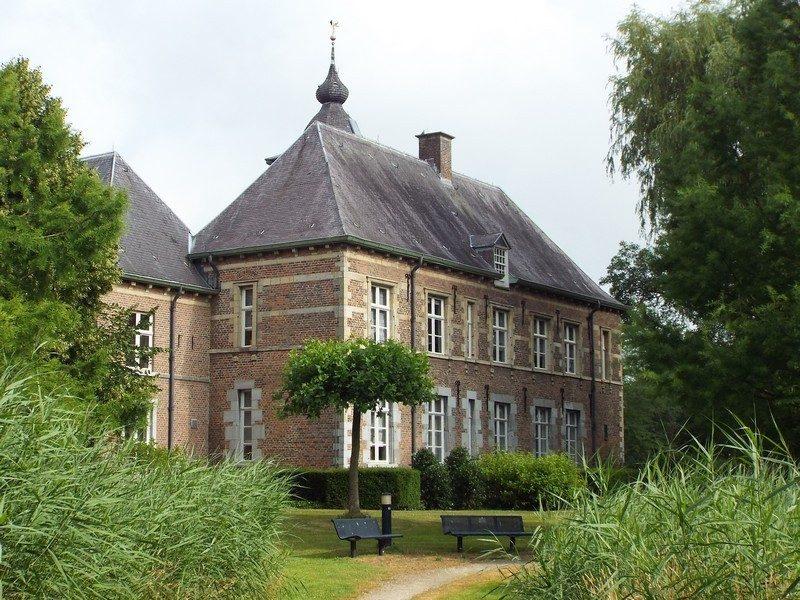 Kasteel-raadhuis Dommelrode