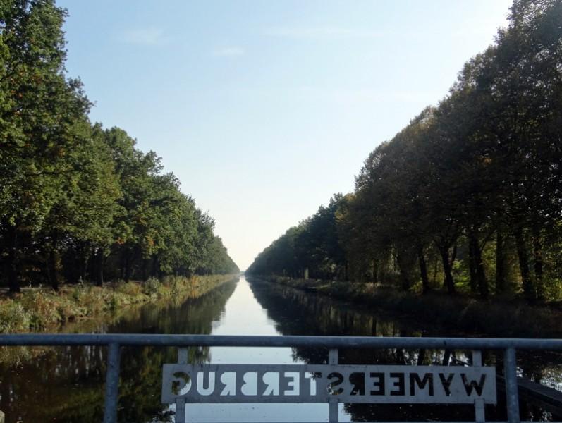 De brug over het B.L. Tijdenskanaal