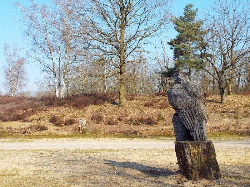 De Gennepse Hei, houten beeld
