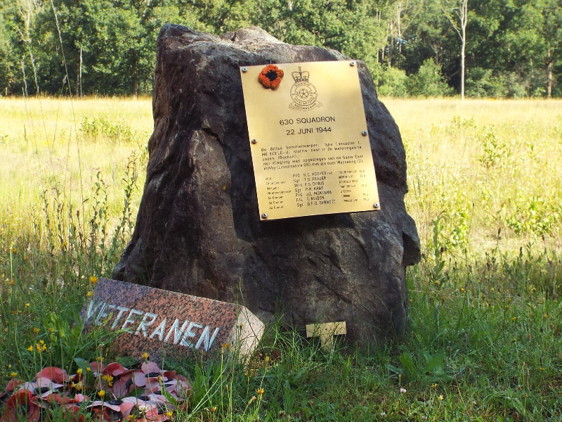 Monumentje ten nagedachtenis aan vliegtuigcrash WOII