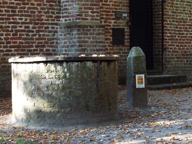 Eeuwenoude waterput en grenspaal uit 1551