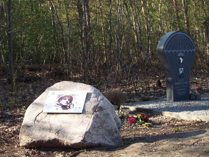 monumentje ter nagedachtenis aan Lt. Col. Robert G. Cole